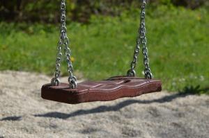 swing-738429_1920